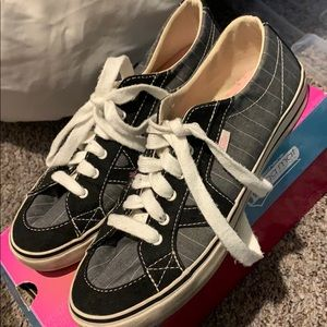 Size 7.5 Vans Skater shoes